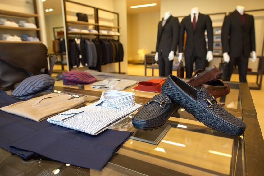 Ermenegildo Zegna The Place Luxury Outlet scarpe e camice